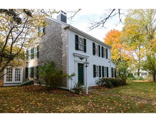 Single Family Home for Sale at 130 Old Main Road Falmouth, Massachusetts 02556 United States