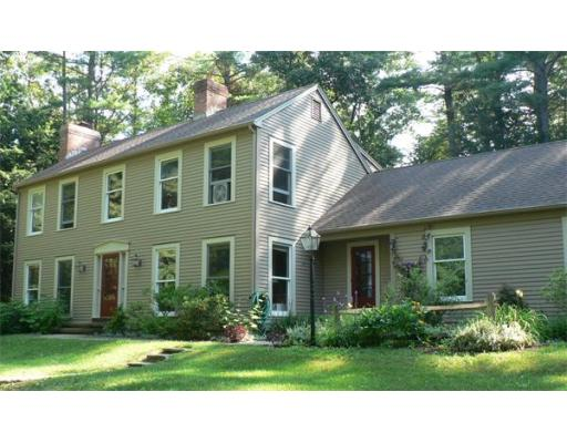 35  Bayberry Ln,  Amherst, MA