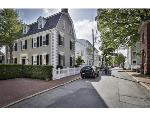 $1,425,000 - 4Br/6Ba -  for Sale in Newburyport