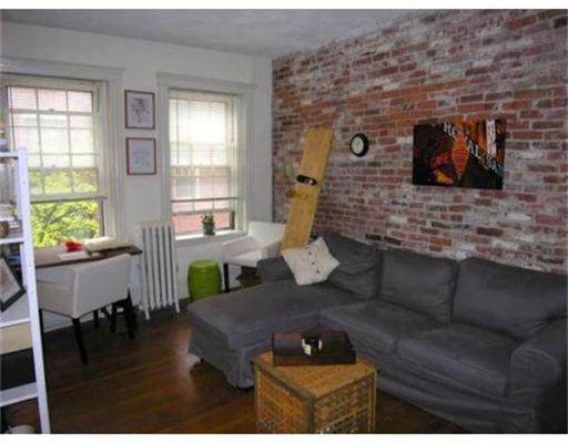 Additional photo for property listing at 21 Temple Street  Boston, Massachusetts 02114 Estados Unidos