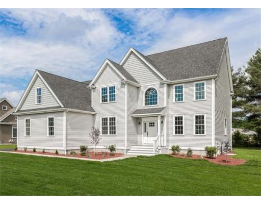 27  Pine Acres Dr,  Bellingham, MA