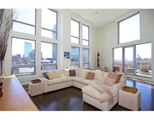 Condominium/Co-Op for sale in 360 Newbury St Back Bay, Boston, Suffolk