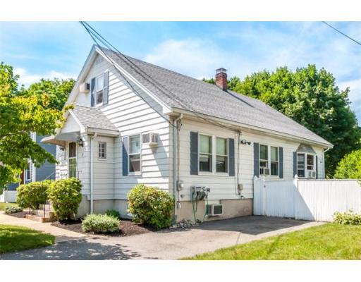 20 Bolton St, Reading, MA 01867