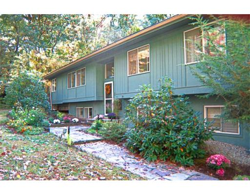 35 Indian Ridge Rd, Natick, MA 01760
