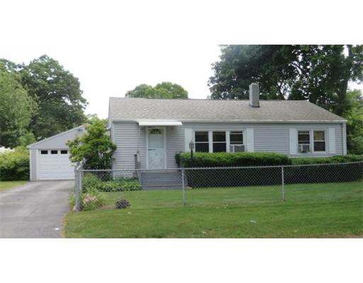 9  Deslauriers St,  Chicopee, MA