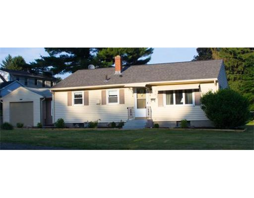 17  Barre Cir,  Chicopee, MA