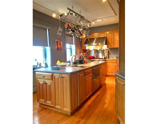 Townhome / Condominium for Rent at 211 M Street 211 M Street Boston, Massachusetts 02127 United States