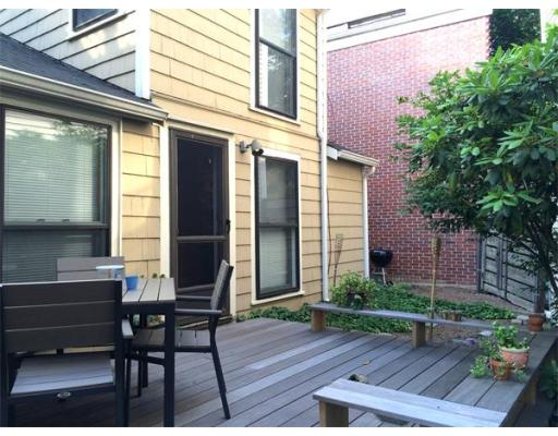 Additional photo for property listing at 107 Warren Street 107 Warren Street Boston, Massachusetts 02129 Estados Unidos
