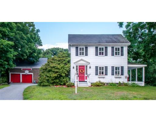 51 Grove St, Reading, MA 01867