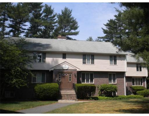 18  Meadowbrook Ln,  Easton, MA