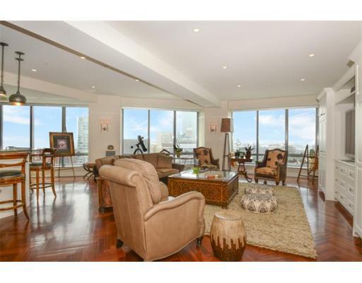 Condominium/Co-Op for sale in Ritz Residences, 23C Midtown, Boston, Suffolk