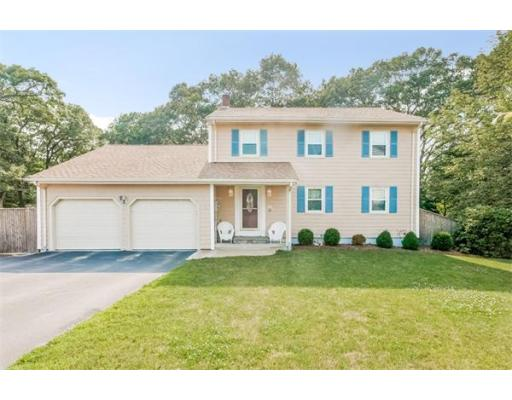 12  Cherry Ln,  Braintree, MA