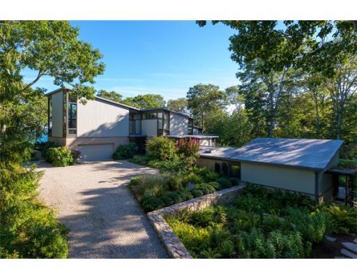 Частный односемейный дом для того Продажа на 77 Fay Road Falmouth, Массачусетс 02543 Соединенные Штаты