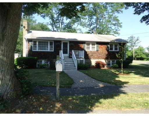17  Morningside Dr,  Beverly, MA