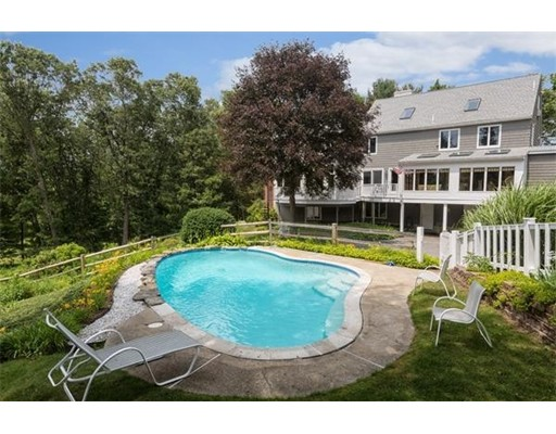 $1,145,000 - 4Br/3Ba -  for Sale in West Newbury