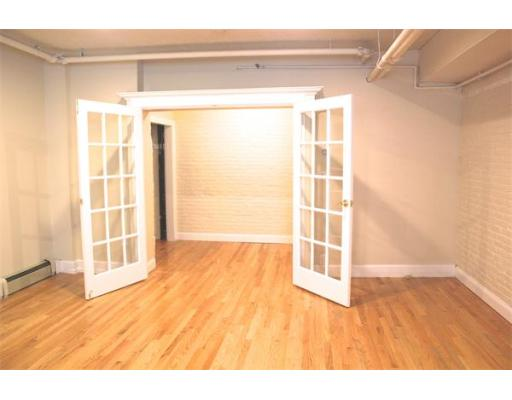 - Br/1Ba -  for Sale in Boston