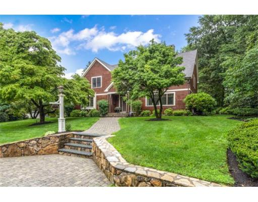11 Wood Ln, Winchester, MA 01890