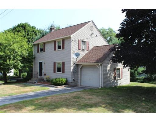 Auburn MA Open Houses | Open Homes | CPC Open Houses, Prime Auburn Center area offers outstanding property  location. Living room, di