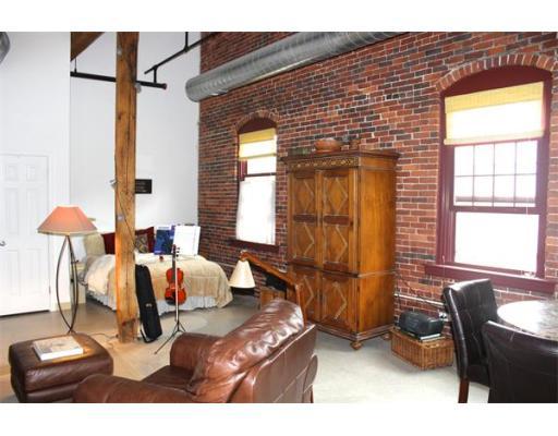 Lofts.com apartments, condos, coops, houses & commercial real estate - Amesbury Lofts (Condo)