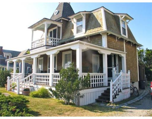 Casa Unifamiliar por un Alquiler en 7 Tuckernuck Ave, OB513 Oak Bluffs, Massachusetts 02557 Estados Unidos