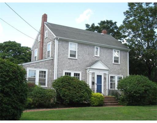 40  Chestnut St,  Dartmouth, MA