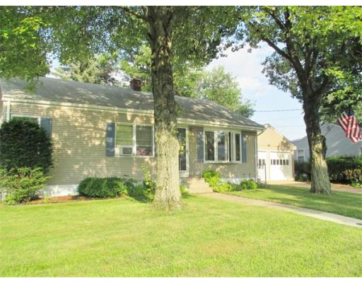 134  Woodcrest Circle,  Chicopee, MA