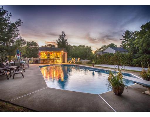 133  Britton Cir,  Raynham, MA