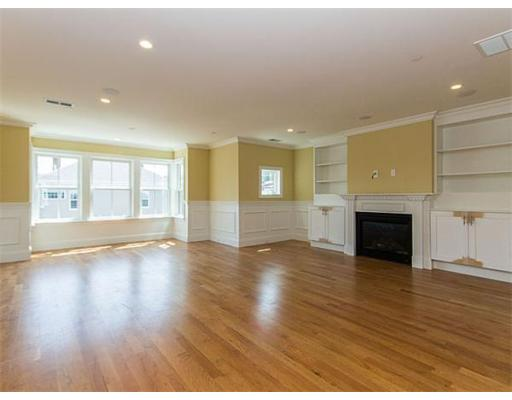 Additional photo for property listing at 49 L Street 49 L Street Boston, Массачусетс 02127 Соединенные Штаты