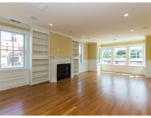 Additional photo for property listing at 49 L Street 49 L Street Boston, Massachusetts 02127 États-Unis