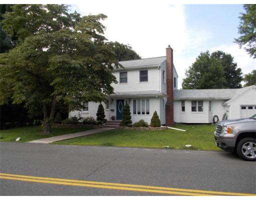 28  Pinecrest Avenue,  Peabody, MA
