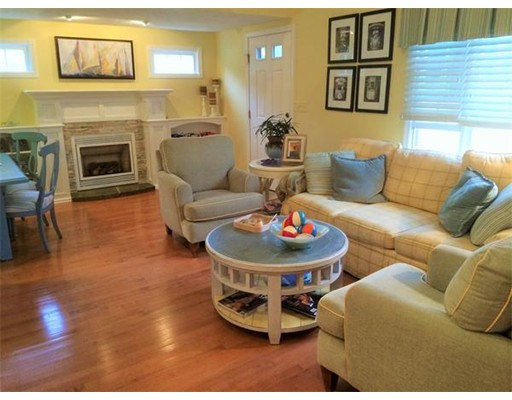 $465,500 - 3Br/2Ba -  for Sale in Falmouth