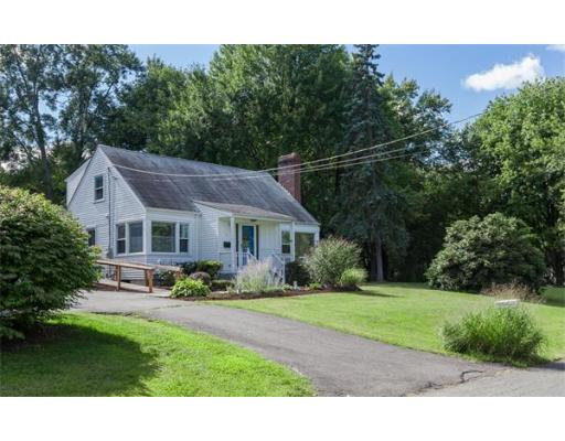 92  Mountain View Street,  South Hadley, MA