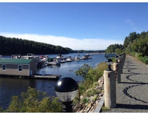 Additional photo for property listing at 60 Merrimac Street  Amesbury, Massachusetts 01913 United States