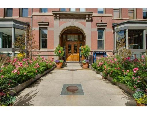 Condominium/Co-Op for sale in The Prince, 209 Back Bay, Boston, Suffolk