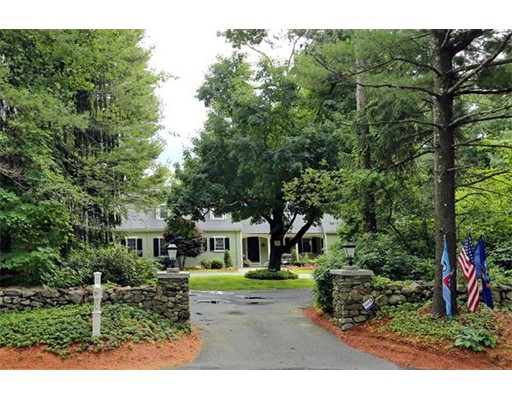 Single Family Home for Sale at 466 Salisbury Street Holden, Massachusetts 01520 United States