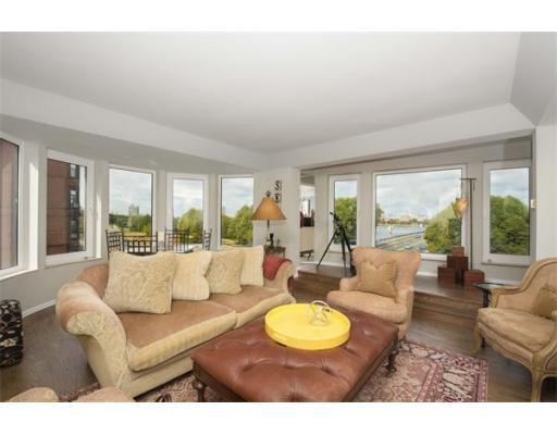 $1,899,000 - 2Br/2Ba -  for Sale in Boston