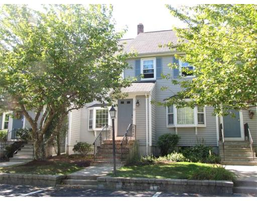 50  Village St,  Easton, MA