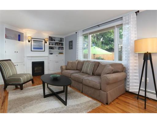 Additional photo for property listing at 33 Belmont Street 33 Belmont Street Boston, Massachusetts 02129 États-Unis