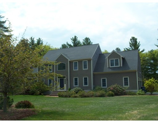 13  Fellowship Cir,  Wareham, MA