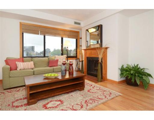 Property for sale at 2130 Massachusetts Avenue Unit: 3E, Cambridge,  MA  02140