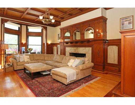 Condominium/Co-Op for sale in 273 Commonwealth Ave Back Bay, Boston, Suffolk