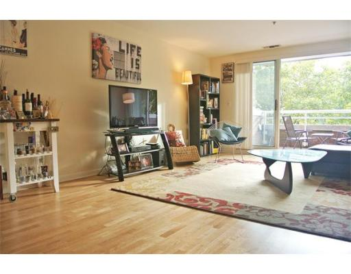 Additional photo for property listing at 6 Canal Park 6 Canal Park Cambridge, Massachusetts 02141 Hoa Kỳ