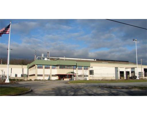 Commercial pour l Vente à 20 Townsend Attleboro, Massachusetts 02703 États-Unis