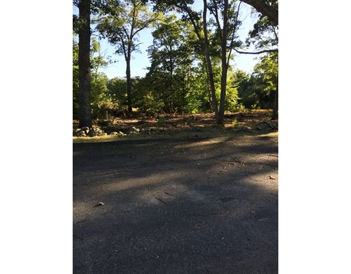 Additional photo for property listing at 8 Medalist Drive  Rehoboth, Massachusetts 02769 Estados Unidos