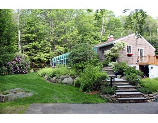 20 Loading Place Rd, Manchester, MA 01944