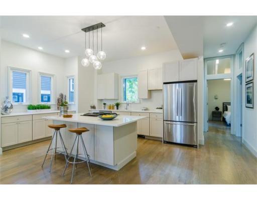 $669,000 - 3Br/3Ba -  for Sale in Boston