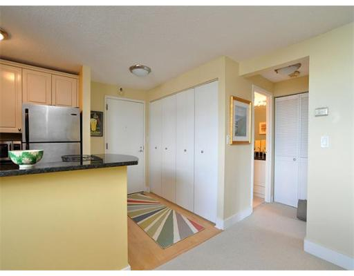 Additional photo for property listing at 42 8Th Street 42 8Th Street Boston, Massachusetts 02129 États-Unis