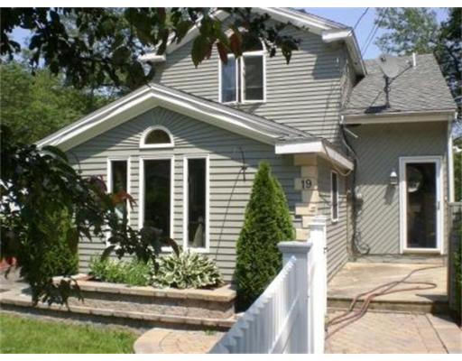 Rental Homes for Rent, ListingId:30681600, location: 19 Golden Hill Rd Saugus 01906
