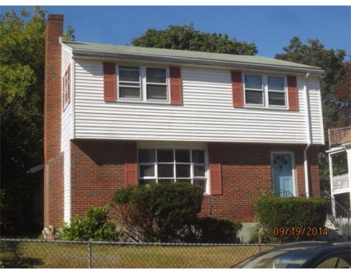 14 Lexington Avenue, Hyde Park - Family Room