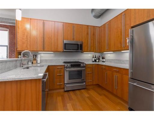 Townhome / Condominium للـ Rent في 125 B Street 125 B Street Boston, Massachusetts 02127 United States